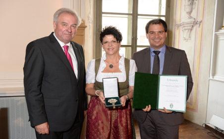 Großes Ehrenzeichen für Bürgermeisterin Waltraud Schwammer