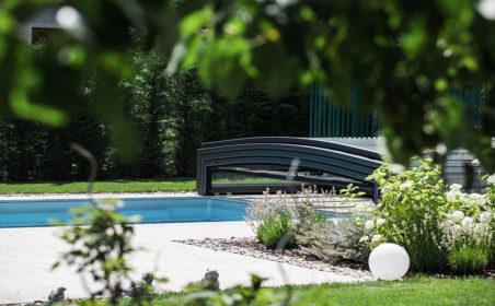 Pool und Installationen