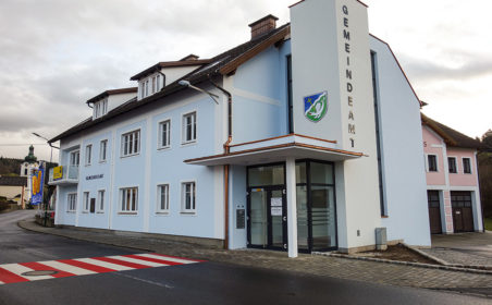 Gemeinde-Besuch: Zöbern